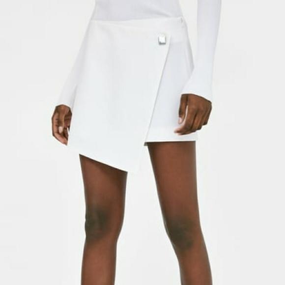301de1c8 Zara Shorts | Asymmetrical Off White Skort Size L C4 | Poshmark